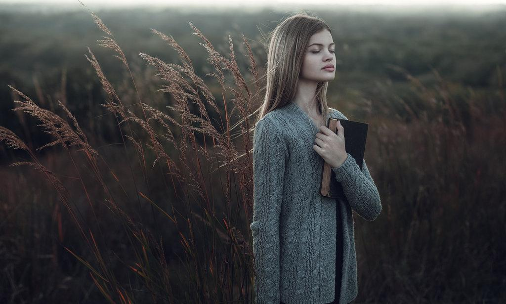 alone, beautiful, book, country, dream, dress, escape, face, fashion, field, free, girl, grass, grunge, hair, hipster, indie, inspiration, life, model, nature, photography, place, read, soft, soul, vintage