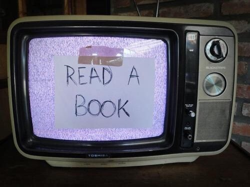 book, pinterest, read a book, tvs, First Set on Favim.com