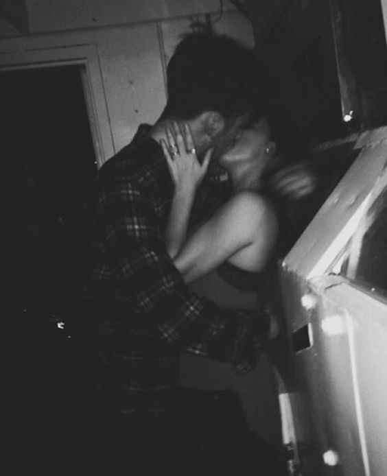 couple, cute, drunk, kissing, love