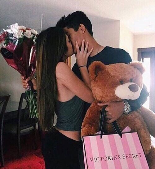 boyfriend, gift, girlfriend, goals, hugs