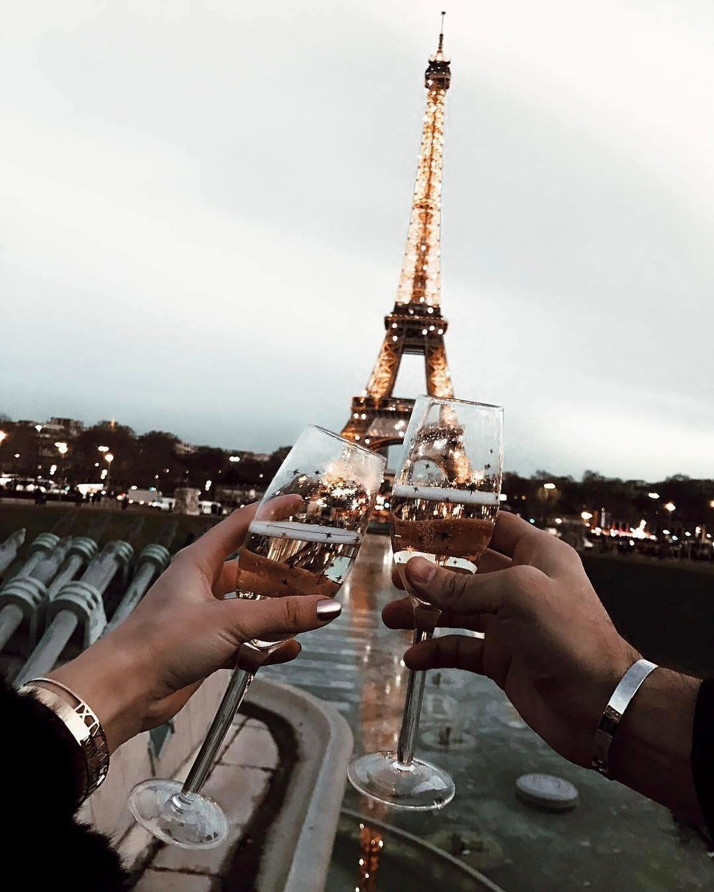 best friends, champagne, cheers, city, drinks