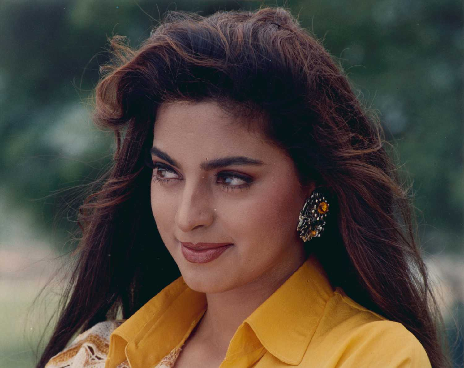 actress, bollywood, earrings, juhi chawla